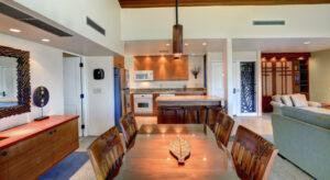 DR_Hawaii_Elua_Interior_Dining_Kitchen_302 CRPD913x500