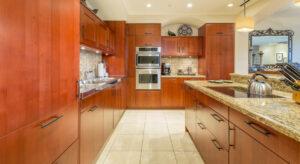 DR_Hawaii_Wailea Beach Villas_Interior_Kitchen_PH105 CRPD913x500