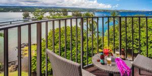 Hilo-Hawaiian-Hotel-940x470-02-Lanai