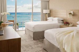 【オーシャンフロントのお部屋】お部屋はビーチフロントや上層階指定可能な眺めに拘るお部屋があります。