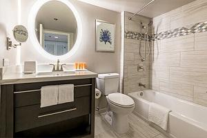 【バスルーム】1ベッドルームは1つ、2ベッドルームには2つバスルームをご用意してます。