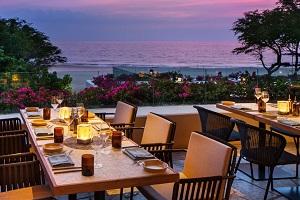 【メリディア】 ウェスティン・ハプナ・ビーチリゾートのシグニチャーレストランです。ハワイ地元の新鮮な食材を使った地中海料理に舌鼓を。シャルキュトリ&クルードバー、自家製ブレッドヌックもご用意しております。季節のメニューを屋外のお席でお召し上がりください。