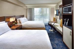 【ダブルクイーンルーム】ベッド2台のお部屋を確約できるプランもございます。