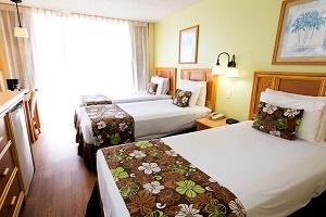 【トリプルルーム】3名1室利用の場合、お部屋は正規ベッドが3台です。