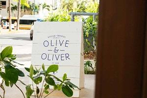【オリーブ&オリバー】カイルア地区で人気のセレクトショップ「オリーブ」と「オリバー」。ビーチカルチャーをコンセプトに展開している2店舗が「オリーブ&オリバー」としてサーフジャック ハワイ内にオープン。メンズ、レディース、アクセサリーのほか、ホテルのオリジナル商品もとりそろえていて、センスのよいセレクトが話題のショップです。