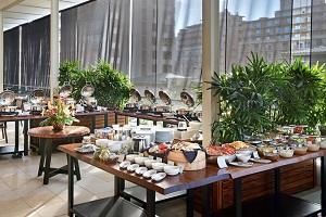 【陰陽(カフェ)】朝食(ビュッフェ、アラカルト、和朝食)をお楽しみいただけます。