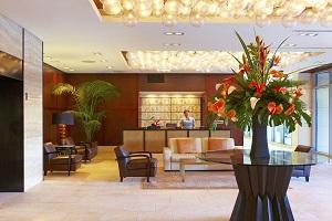 【ホテルロビー】チェックイン~滞在中まで、コンシェルジェが様々なご要望にお応えします。