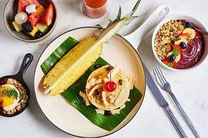 【無料の朝食】オートミール、ドリンク、アサイーボールバー等をお楽しみください。