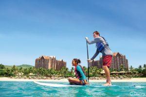 【アウラニ・ビーチ】スイミングやボディボードで遊んだり、シュノーケル、パドルボード、その他の道具をレンタルして海のアドベンチャーをお楽しみください。